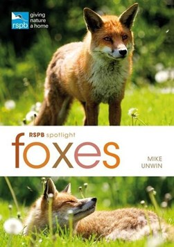 Foxes by Mike Unwin